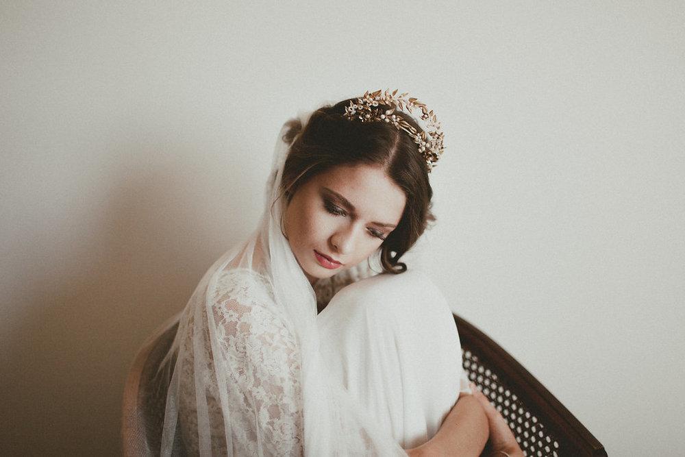 mon top 10 des cr atrices accessoires et bijoux de t te pour la mari e. Black Bedroom Furniture Sets. Home Design Ideas